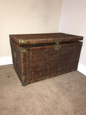 Large Wicker Trunk. for Sale in Prineville, OR