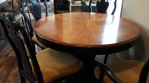 Table,leaf, 6 chairs (2 arm chairs) for Sale in Cheyenne, WY