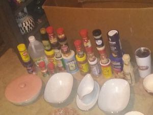 Take ALL KITCHEN ITEMS ANTIQUE VINTAGE AND CURRENT ITEMS... EXCELLENT CONDITION AND TONS OF SEASONINGS MOST NEW for Sale in Port Neches, TX