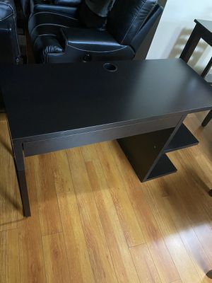 IKEA micke with shelves for Sale in Burbank, CA