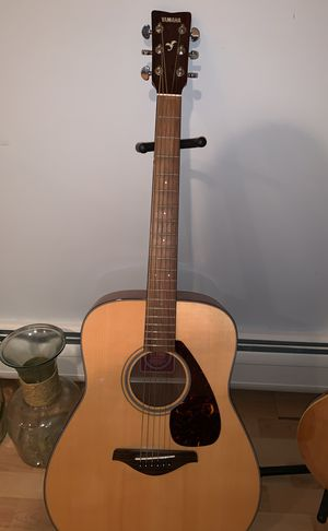 Yamaha acoustic guitar perfect condition for Sale in Framingham, MA