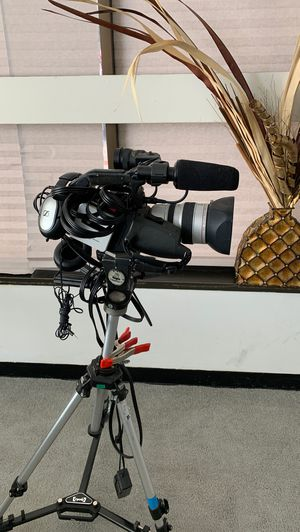 Canon 3CCD Digital Camcorder for Sale in Temple Hills, MD