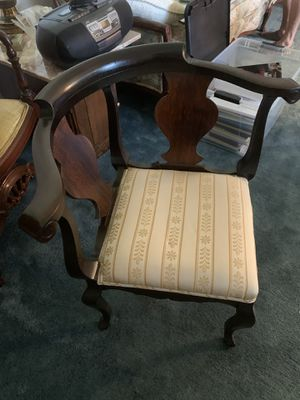 Antique chair great condition for Sale in Altamonte Springs, FL