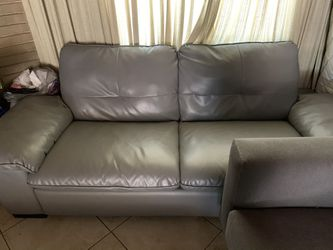LEATHER COUCH  for Sale in Anaheim, CA