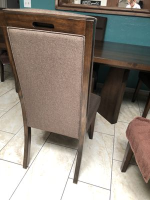 Kitchen table chairs for Sale in Tucson, AZ
