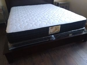 "New BLACK 10"" King mattress and box springs ONLY ***FRAMES SOLD SEPARATELY IF AVAILABLE*** for Sale in Las Vegas, NV"