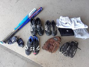Softball bats, cletes, mitts, pants & batting gloves for Sale in Turlock, CA