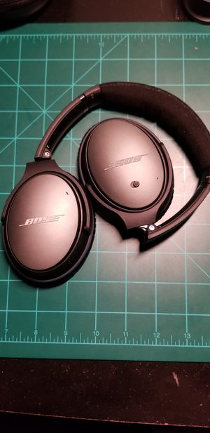 Bose quietcomfort 25 over ear wired headphones for Sale in San Marcos, TX