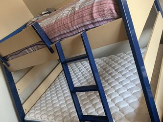 Bunk Bed With Full Size mattress Included for Sale in Hayward,  CA