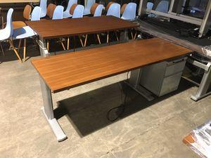 Standing Desk Sale Electric & ergonomic for Sale in Hayward, CA