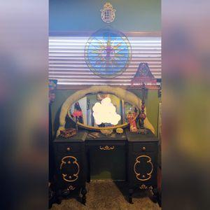 Vanity or Desk Victorian Antique for Sale in Montebello, CA