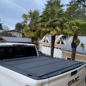 Hard Tonneau Cover for Sale in Seattle, WA