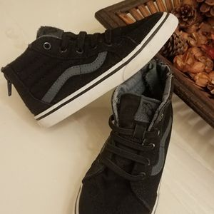 Toddlers Vans Size 9 for Sale in Moreno Valley, CA