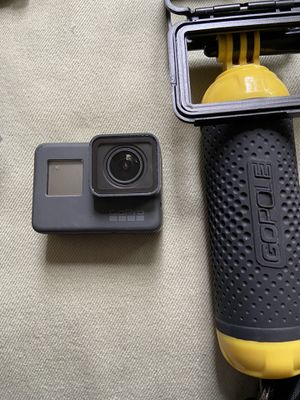 GoPro Hero 5 with tons of accessories!! for Sale in Tampa, FL