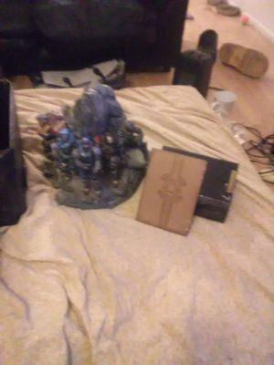 Halo reach box set 70 obo for Sale in Roseville, MI