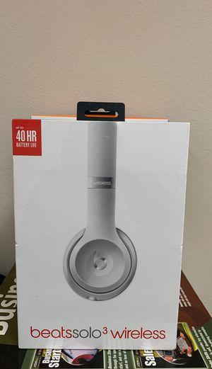 Beats by Dre beatssolo3 wireless for Sale in Irvine, CA