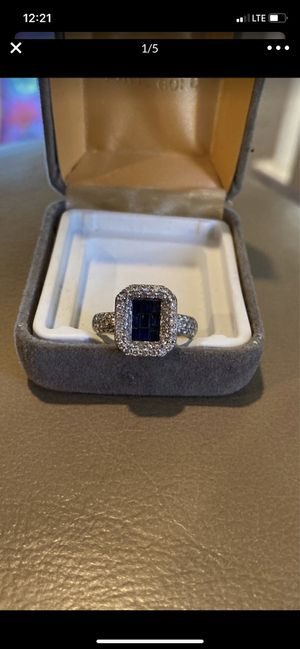 14k solid white gold ring with vs1 and blue sapphire diamonds for Sale in Los Angeles, CA