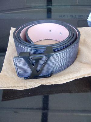 Louis vuitton supreme belt for Sale in Phoenix, AZ