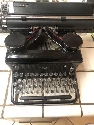 Vintage 1930's Royal typewriter for Sale in Fresno, CA