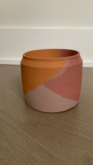 Layered concrete planter pot with drainage hole for Sale in Washington, DC