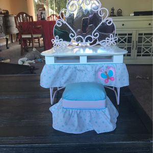 Pristine Preowned Doll Vanity With Stool for Sale in Portland, OR