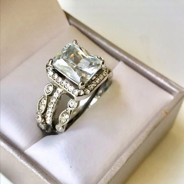 Sterling silver plated wedding engagement ring band set women's jewelry accessory