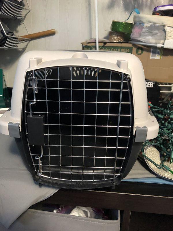 Pet taxi. Dog/cat crate