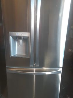 Refrigerator Kenmore Like New Good Condition 3 Months warranty Delivery And Install for Sale in San Leandro,  CA