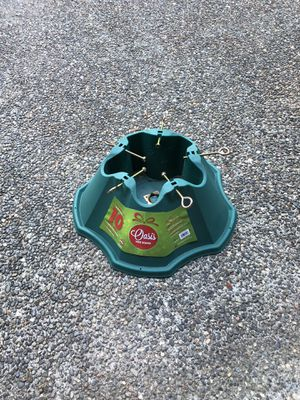 Christmas Tree Stand ( only used once - great shape) for Sale in Redmond, WA