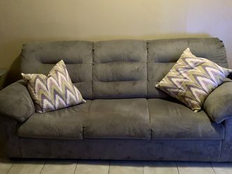 Gray Over Stuffed Couch 40 X87 for Sale in Queens,  NY