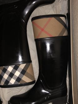 Burberry Rainboots for Sale in Pasadena,  TX
