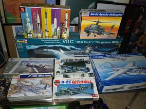 LOOK! GROUP OF RARE MODEL KITS for Sale in Miami, FL