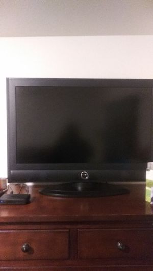 37 inch insignia flatscreen tv....no flaws for Sale in Evansville, IN