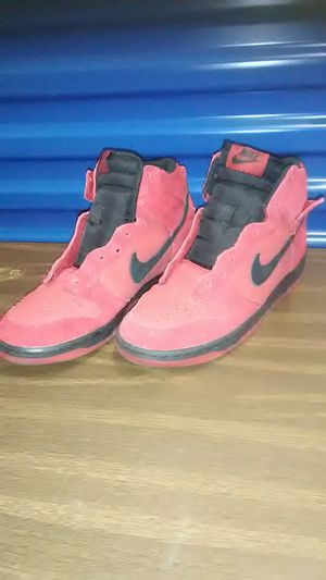 Mens red black nike high top shoes size 7 for Sale in Takoma Park, MD