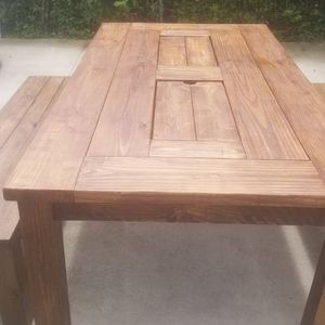 Outdoor table with built in ice chest for Sale in Nashville, TN