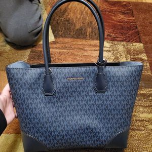 Micheal Kors for Sale in Cleveland, OH