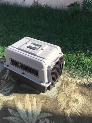Cage for dog medium for Sale in Perris, CA