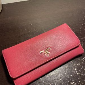 Prada Large Saffiano Leather Wallet for Sale in Arlington, VA
