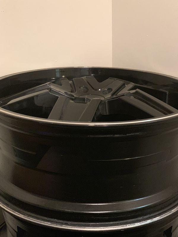 Lorenzo rims 22 inches black 5lugs