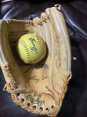 Softball Glove, Rawlings, fastback PG10 for Sale in Phoenix, AZ