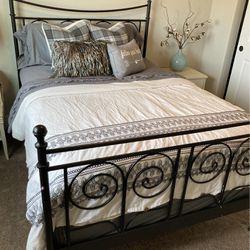 Full Size Bedroom Set for Sale in Enumclaw,  WA