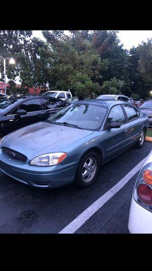 2005 ford taurus SE for Sale in Miami, FL