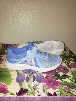 Girls Purple and Pink Nike Shoes size 11 for Sale in Fort Worth, TX