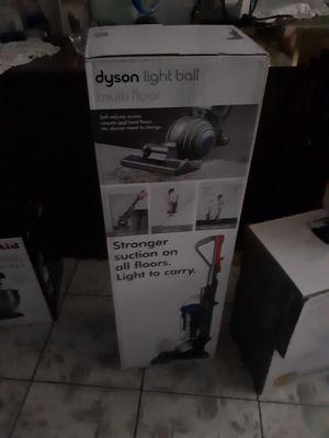 Dyson lightball vacuum for Sale in Carson, CA