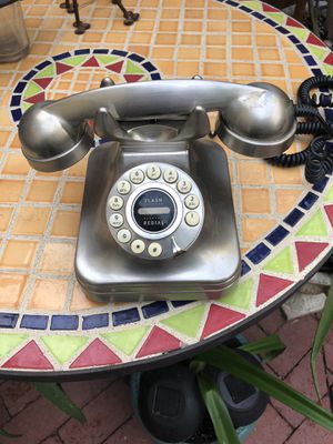 Desk Phone, Antique Replica ( works great ) for Sale in Lake Forest, CA
