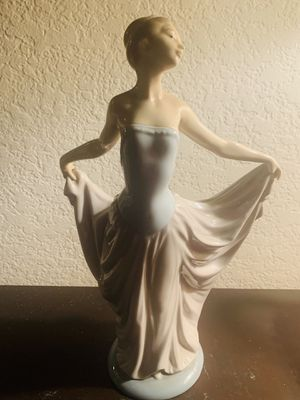 Lladro Dancer Woman figurine. for Sale in Upland, CA