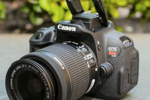 Canon T5i, 18-55mm and 40mm fixed lens for Sale in New York, NY