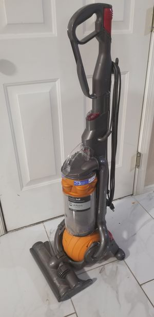 Dyson dc25 vacuum cleaner for Sale in Glen Burnie, MD
