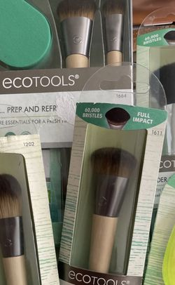 Eco Tools Brushes Ans Sponge Set $35 Dollars for Sale in Fontana,  CA