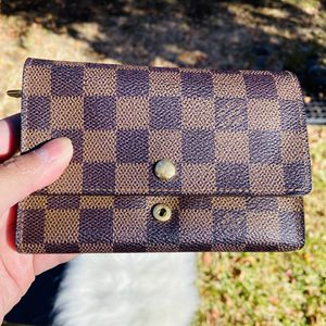 Authentic LV Wallet for Sale in The Colony, TX